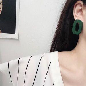 Jewelry - Chic Wood Oval Round Hoop Earrings in Green